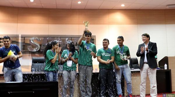 Equipe vencedora - 2 grand prix Senai de Inovação